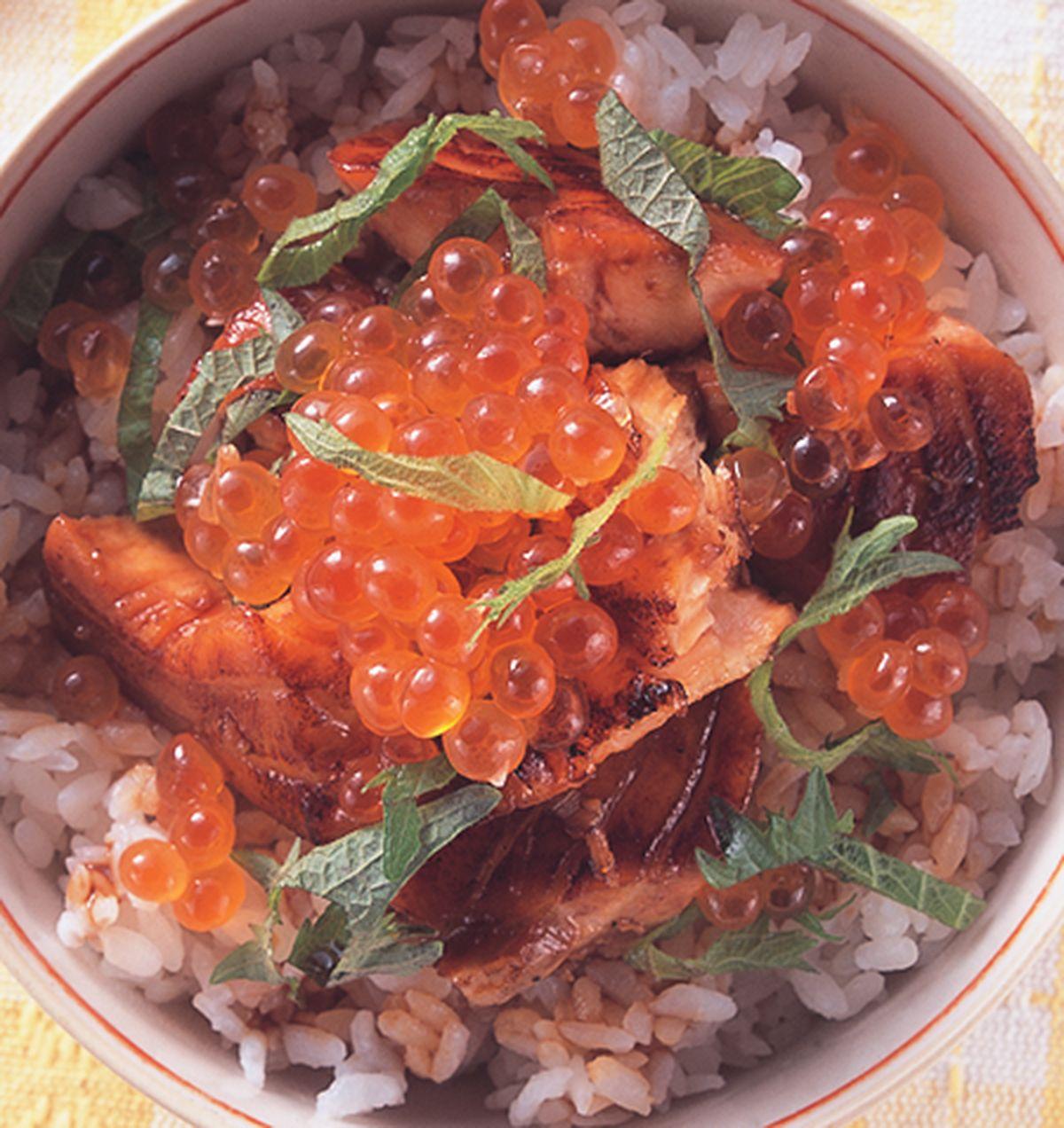 食譜:鮭魚親子丼