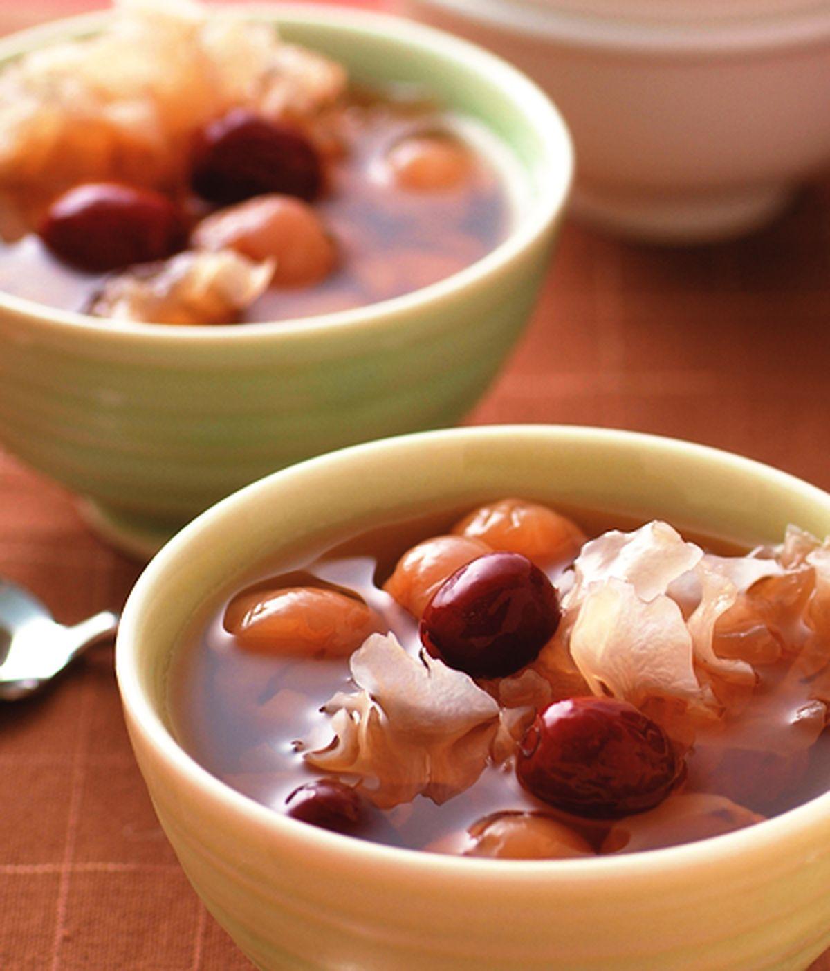 食譜:銀耳紅棗桂圓湯