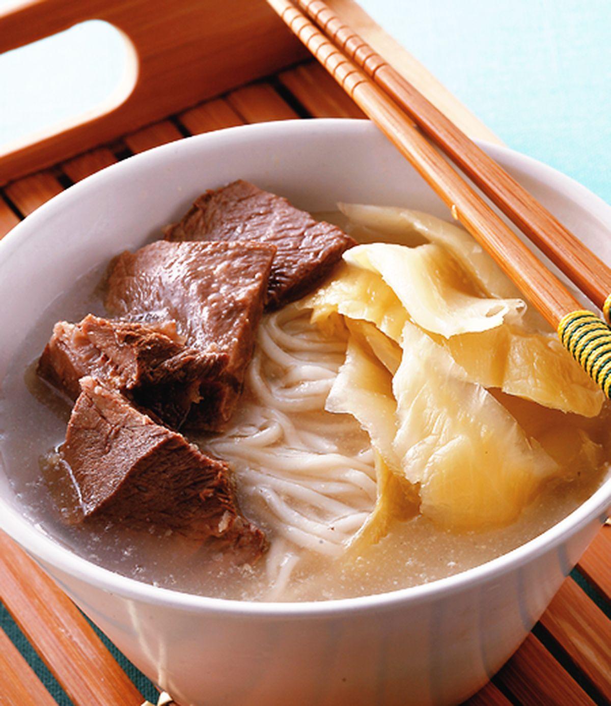 食譜:酸菜牛肉麵