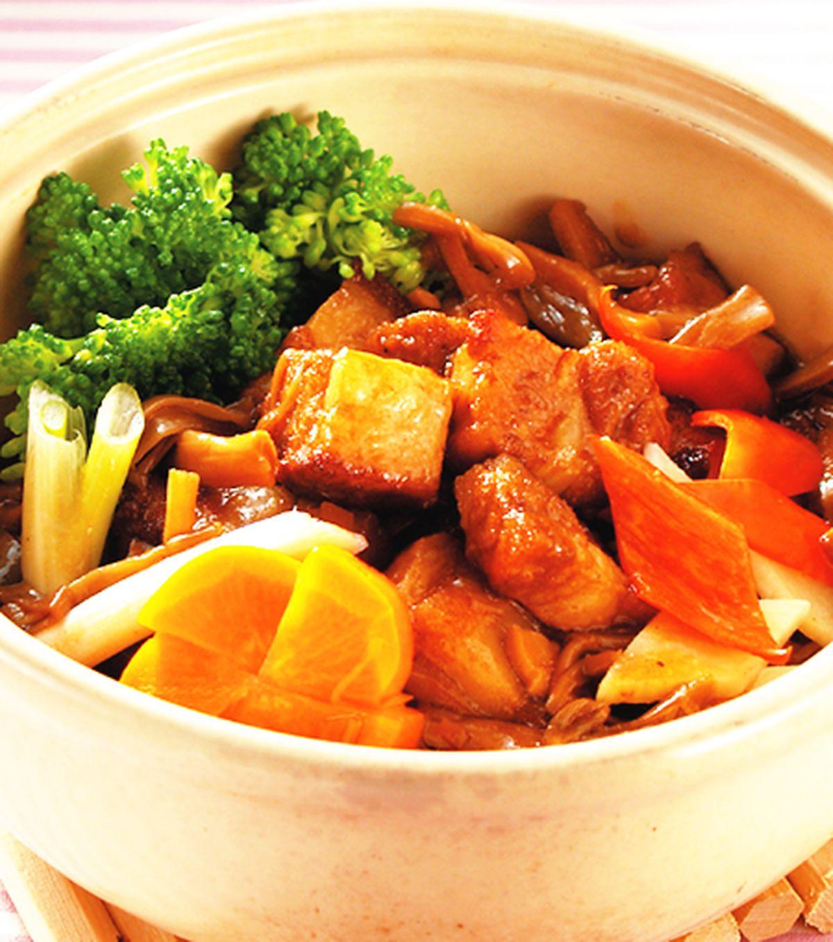 食譜:魯肉筍干煲