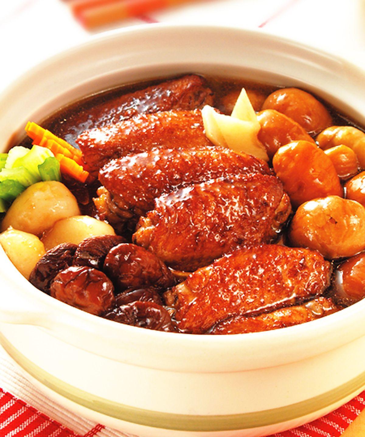 食譜:栗子鳳翼煲