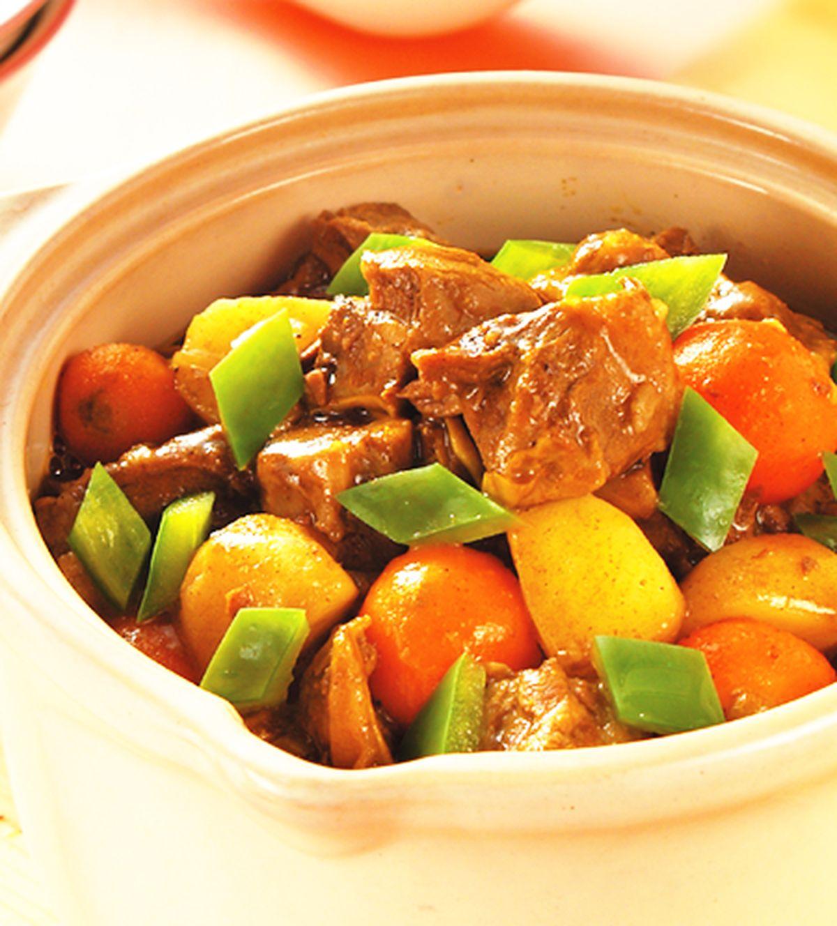 食譜:咖哩牛腩煲