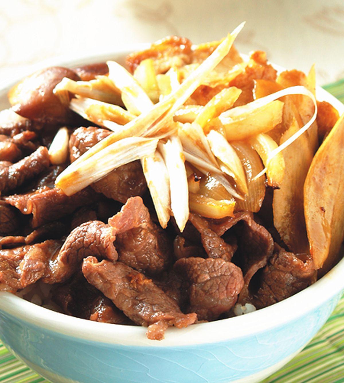 食譜:壽喜燒牛丼飯
