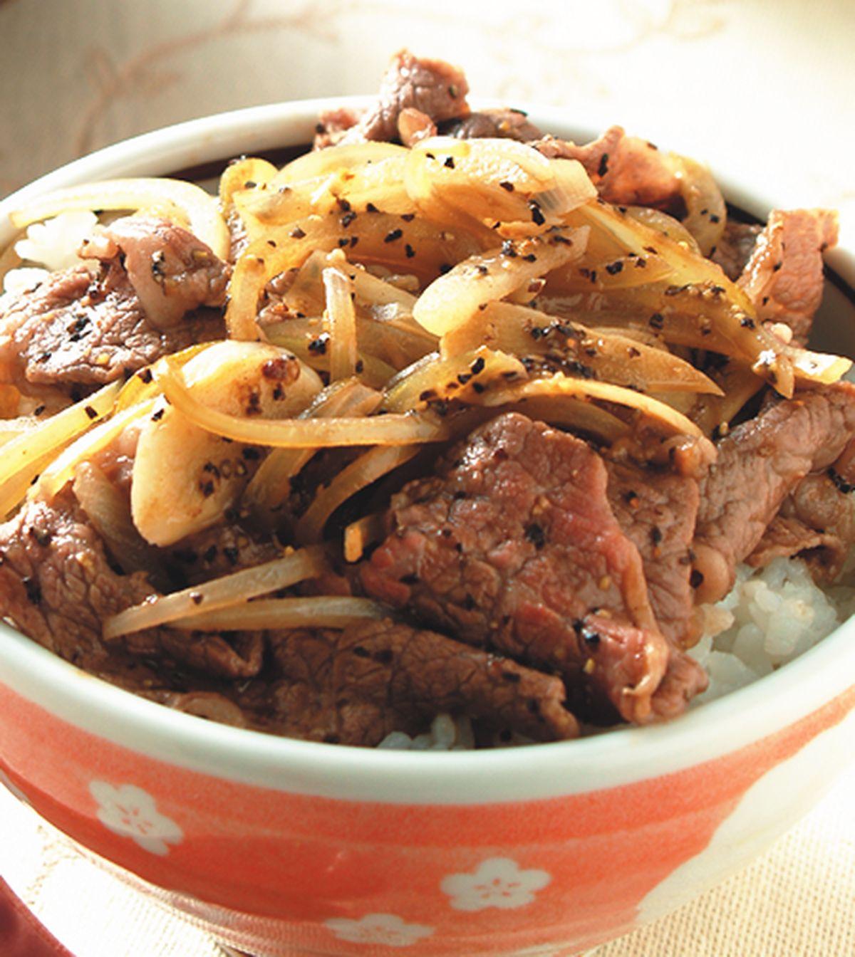 食譜:黑胡椒牛肉丼