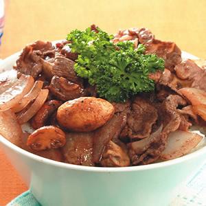 紅酒蘑菇牛肉丼