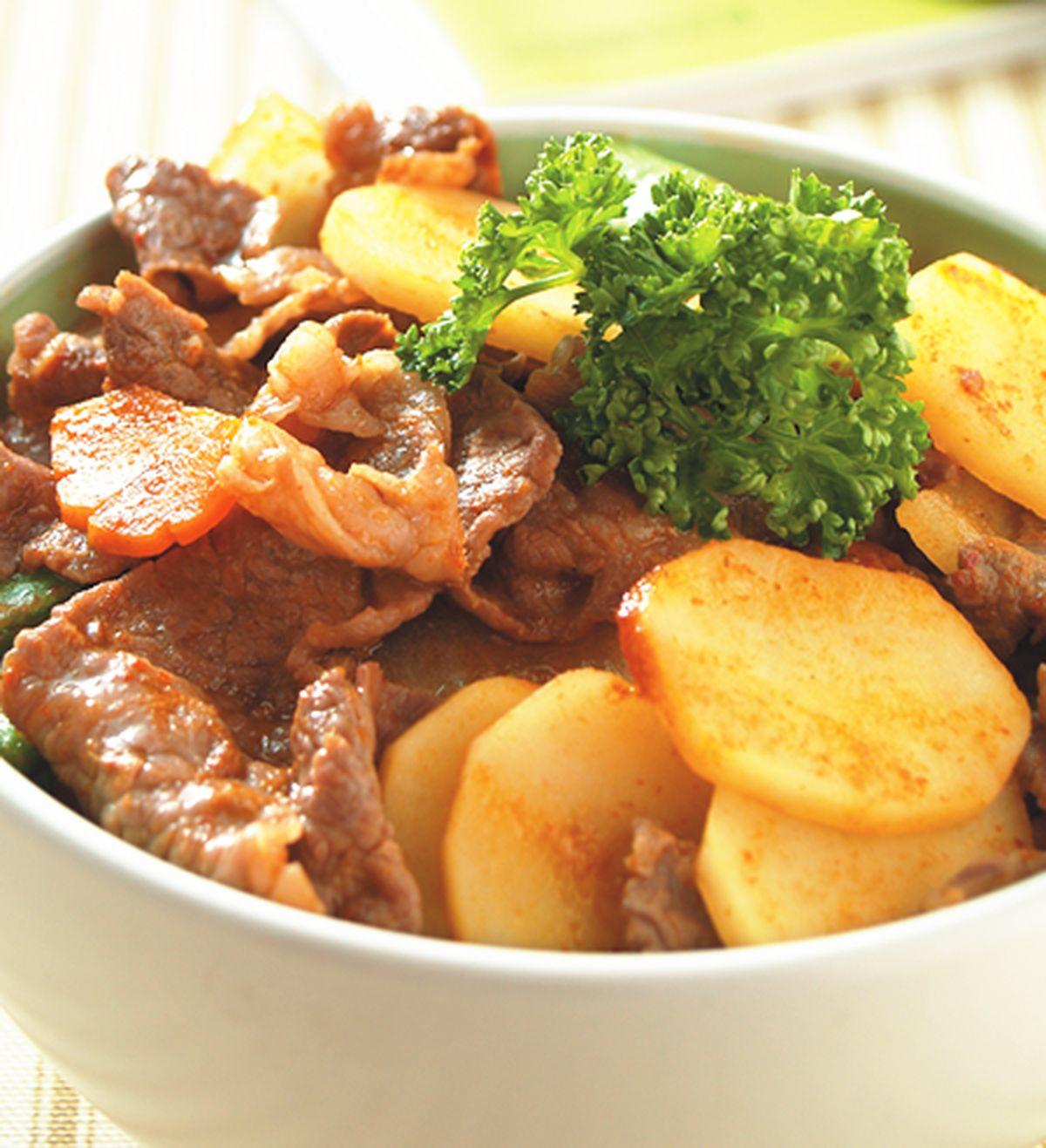 食譜:紅咖哩牛肉丼