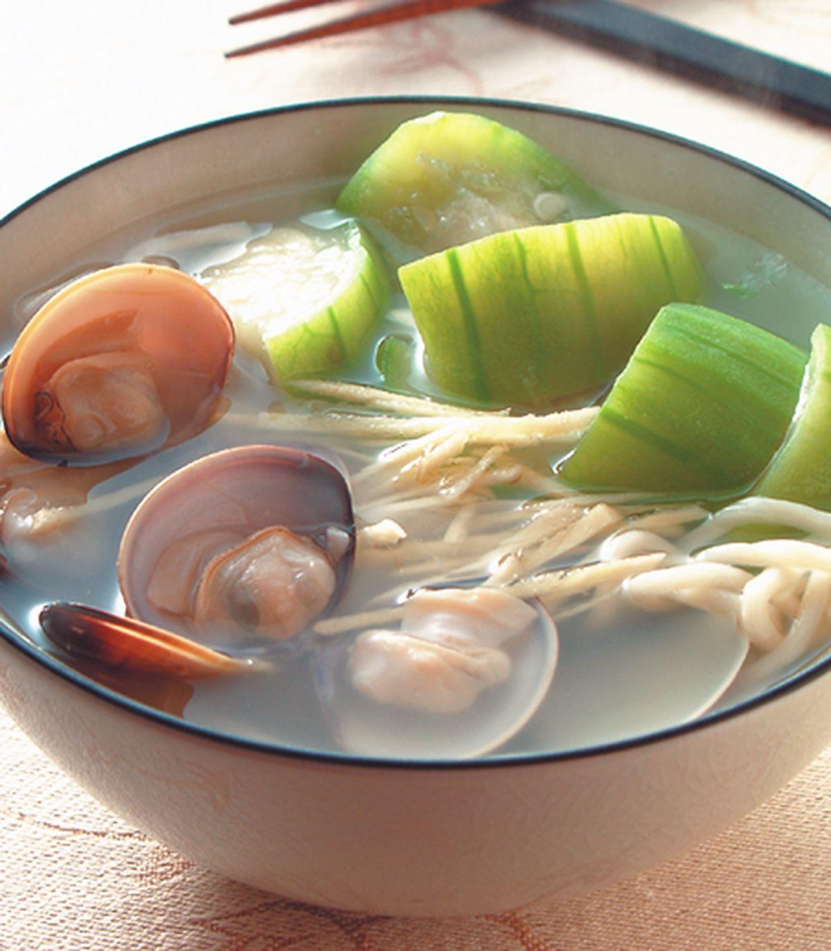 食譜:絲瓜蚌麵