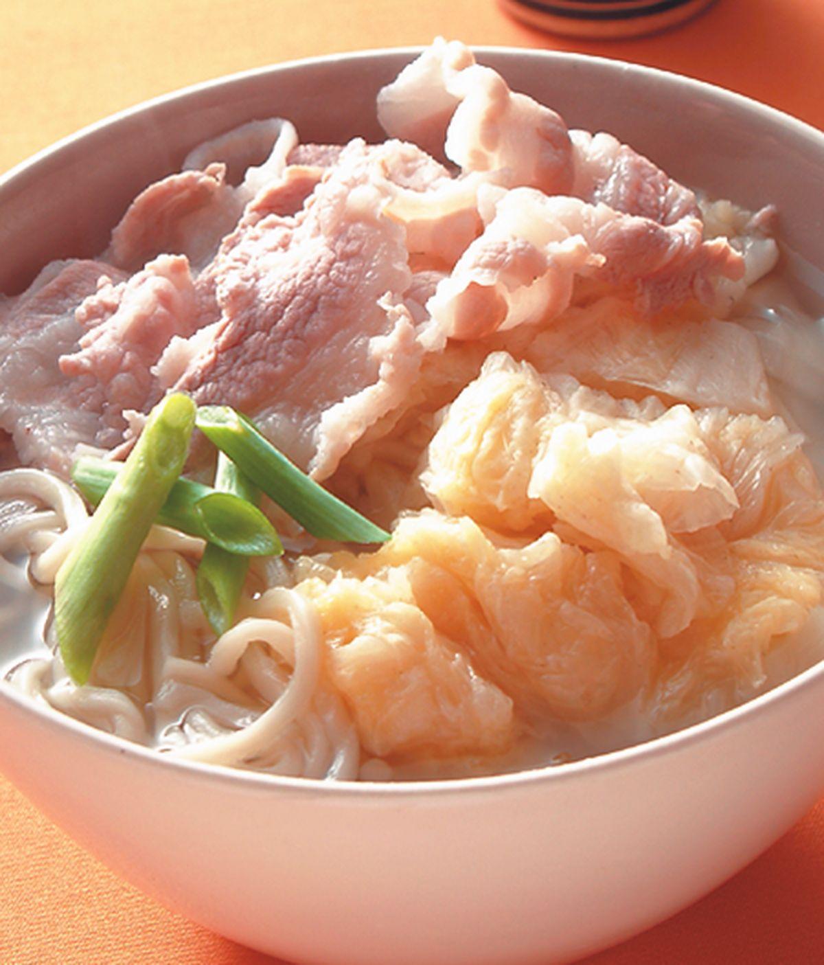 食譜:酸菜白肉蚌麵