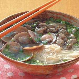 鮮蚵韭菜蚌麵線