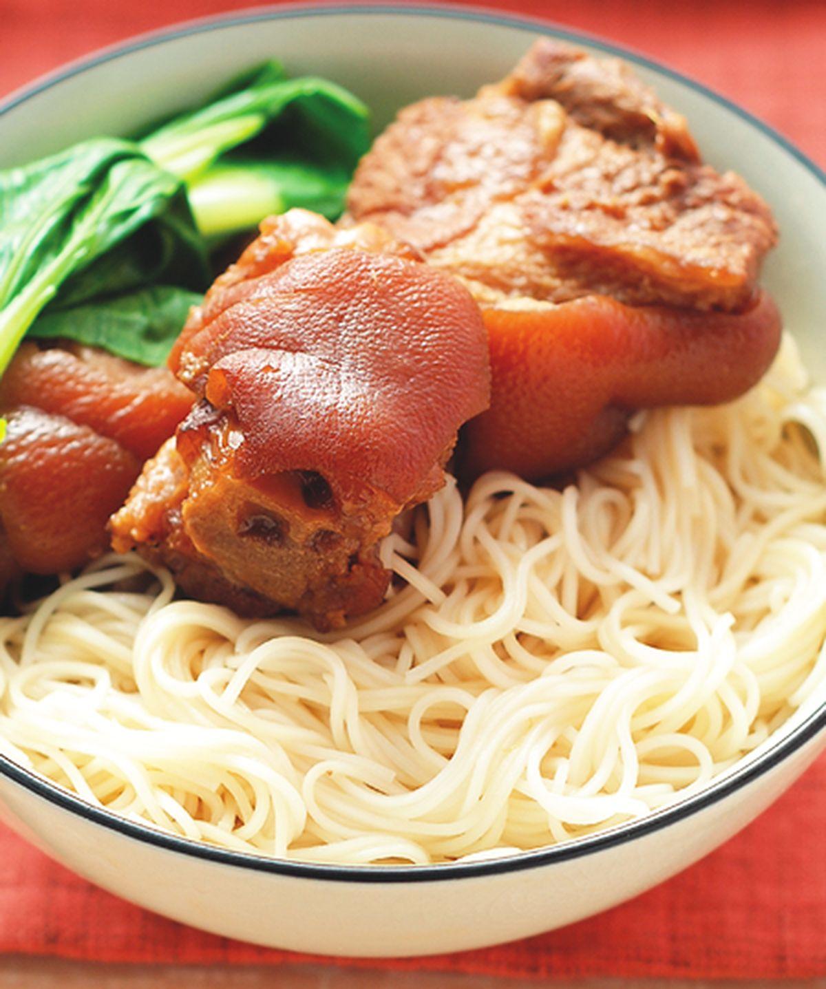 食譜:豬腳麵線(1)