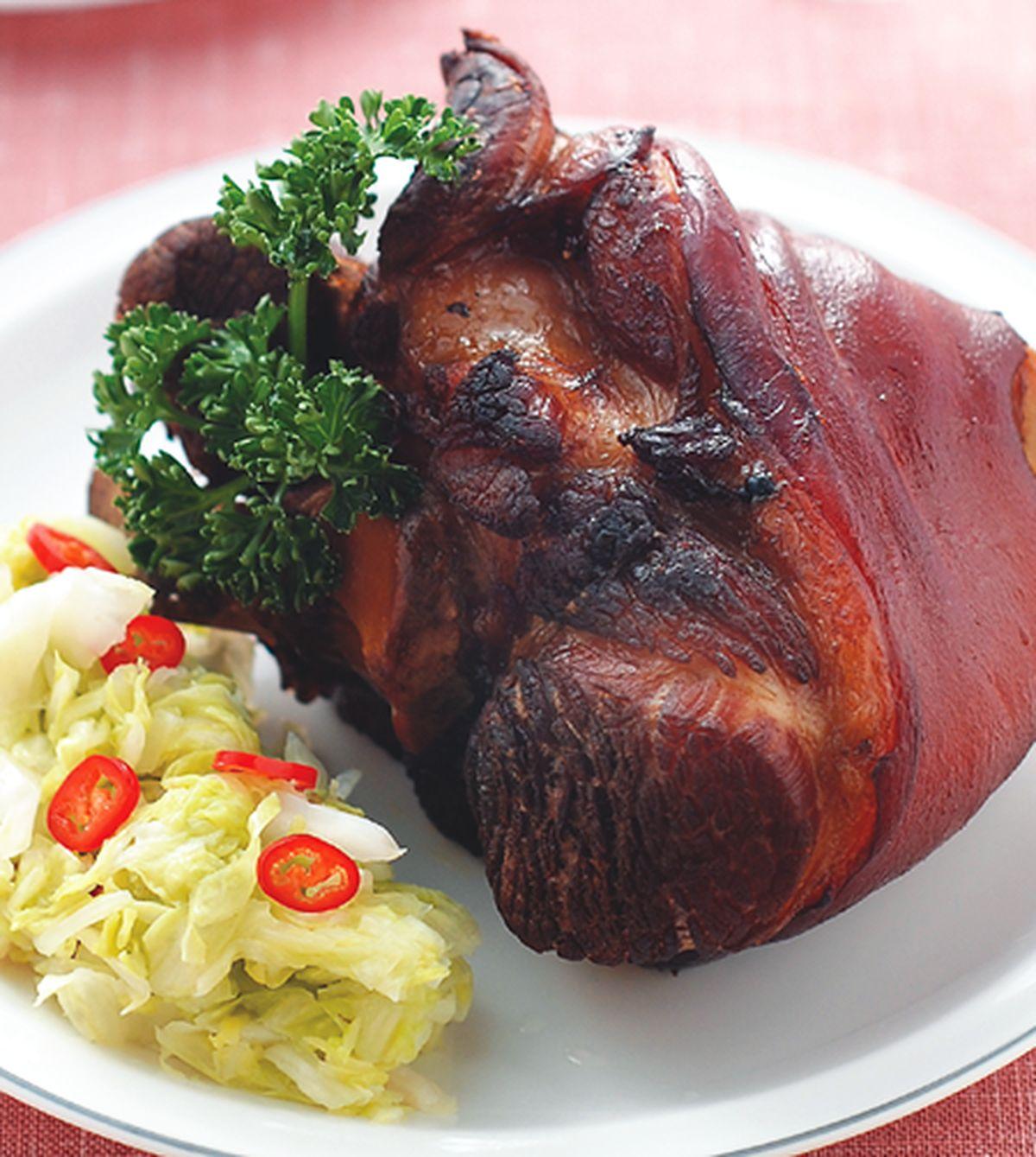 食譜:酸菜烤豬腳