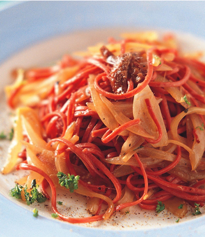 食譜:鯷魚洋蔥麵