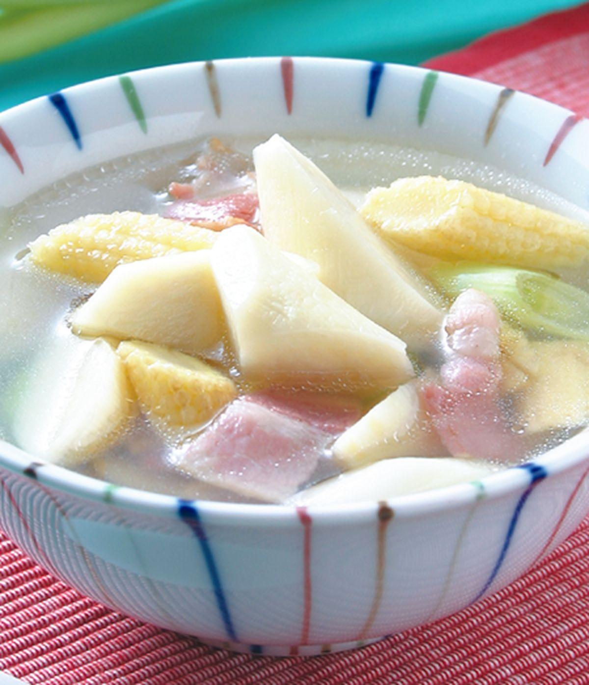 食譜:筊白玉筍培根湯