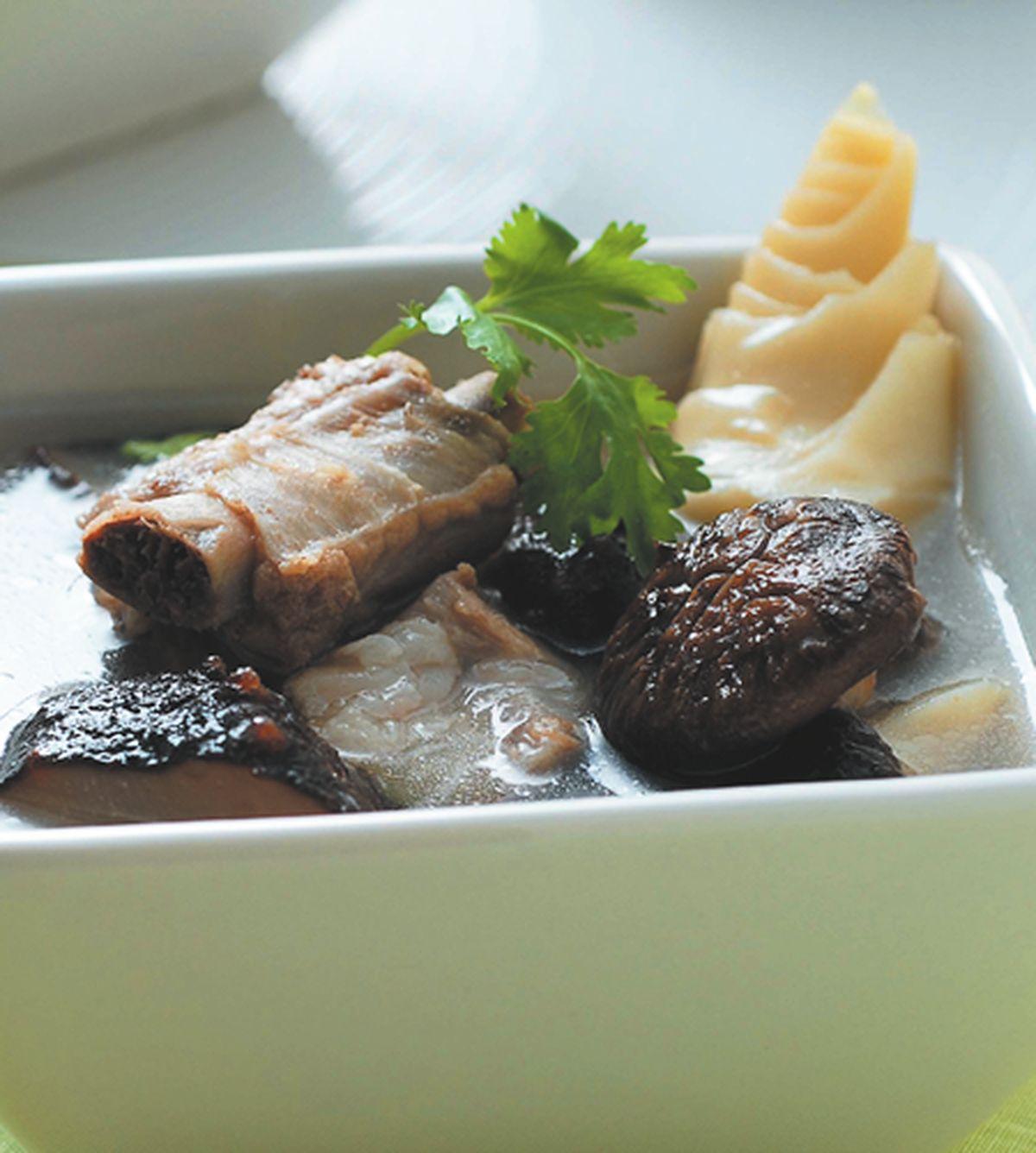 食譜:刺蔘北菇筍