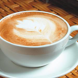 拿鐵咖啡-葉子拉花