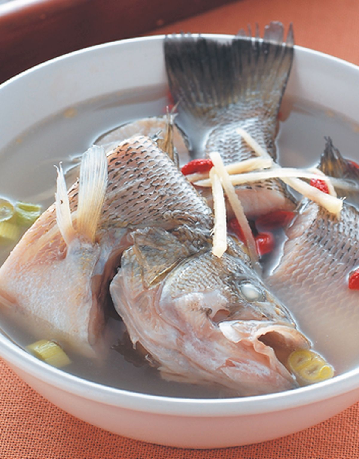 食譜:薑絲鮮魚湯