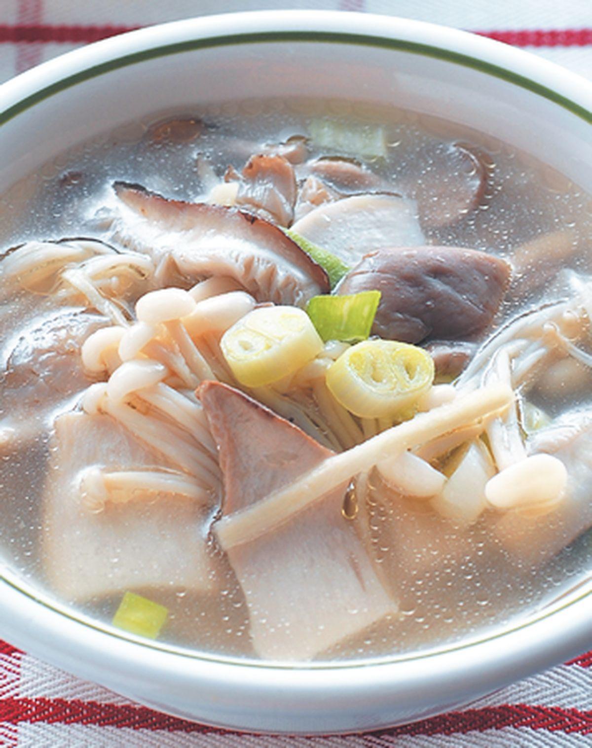 食譜:什錦菇湯