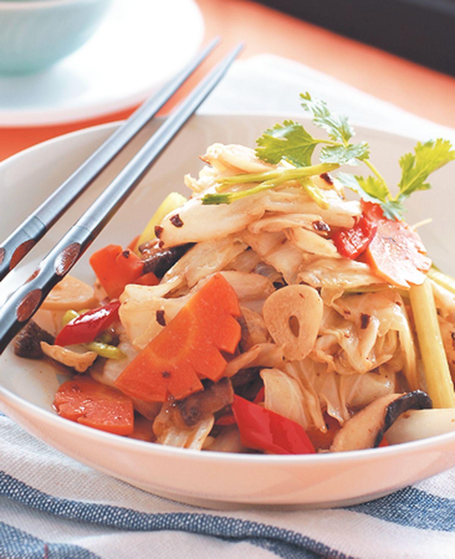食譜:炸醬炒高麗菜