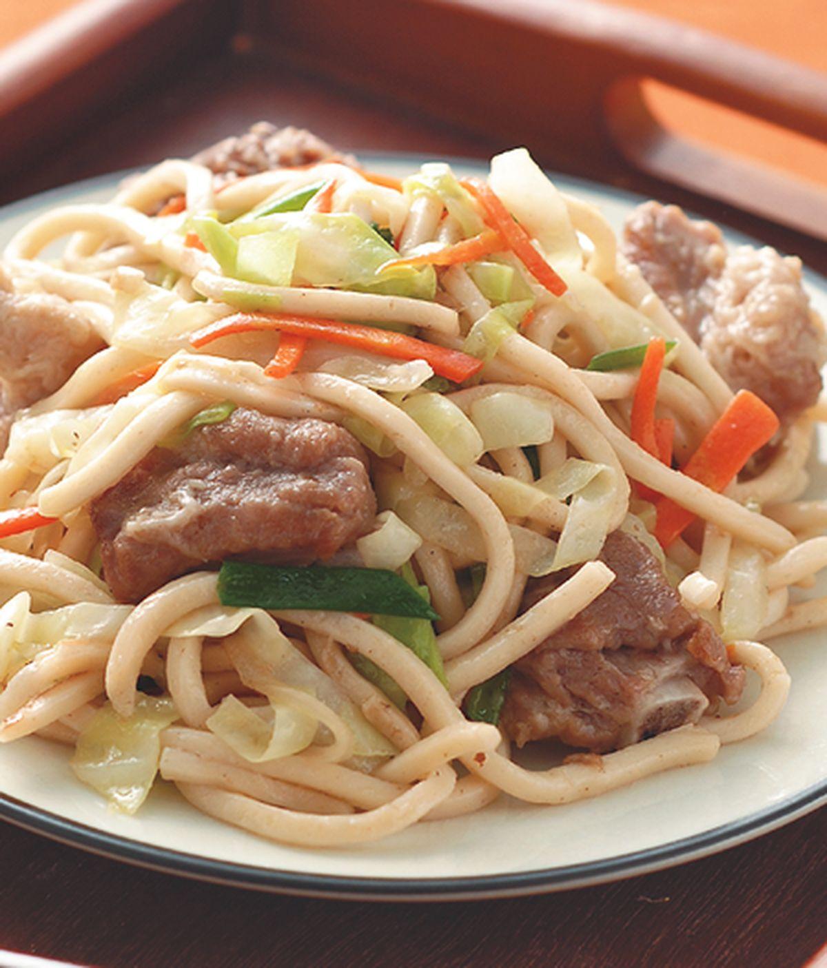 食譜:排骨炒粗麵
