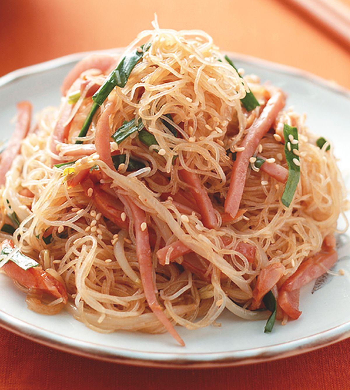 食譜:乾炒火腿雞絲米粉