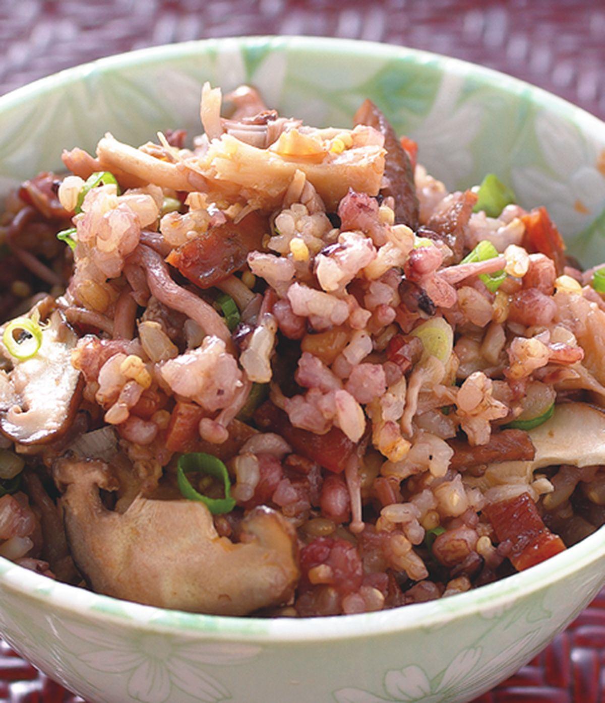 食譜:肉乾什錦菇飯