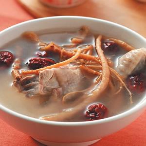 參鬚紅棗燉雞湯