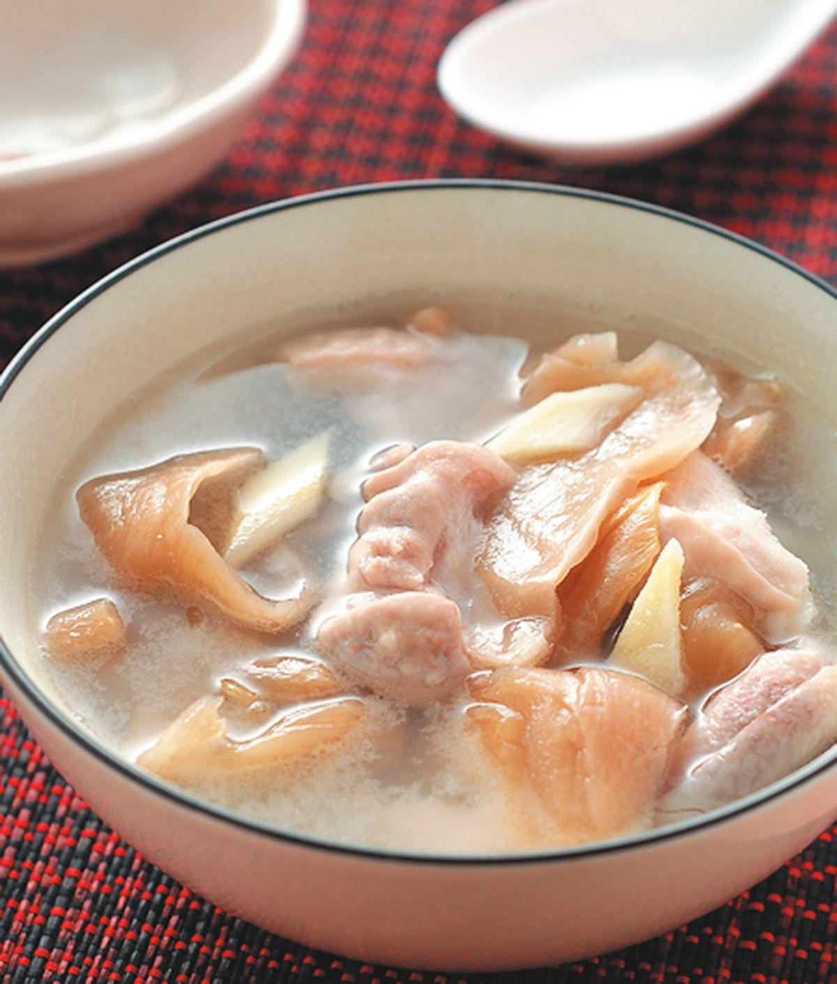 食譜:酸菜豬肚湯(1)