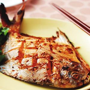 蔥烤白鯧魚