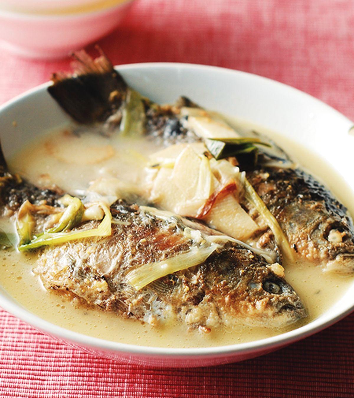 食譜:奶白鯽魚湯