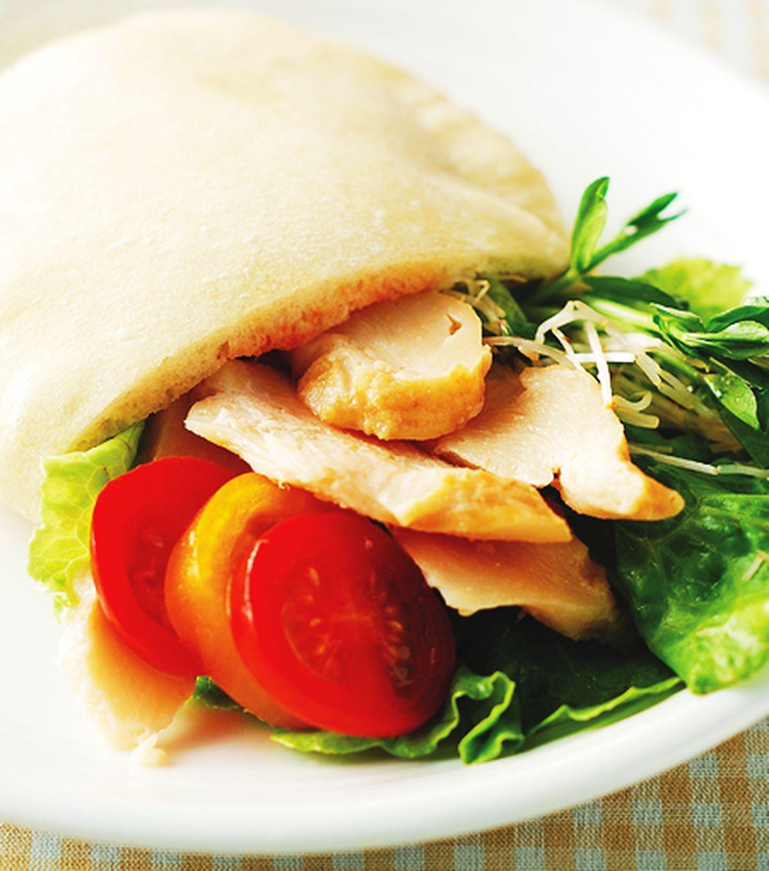 食譜:燻雞生菜口袋餅