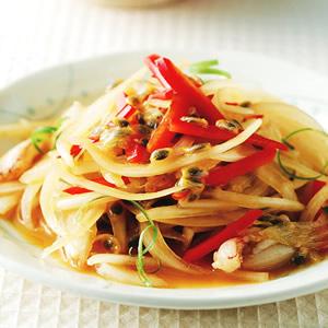 百香果蟹肉洋蔥沙拉