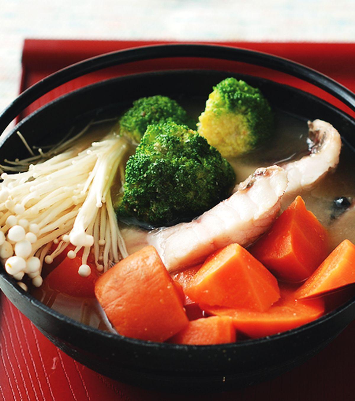 食譜:胡蘿蔔鮮魚味噌鍋