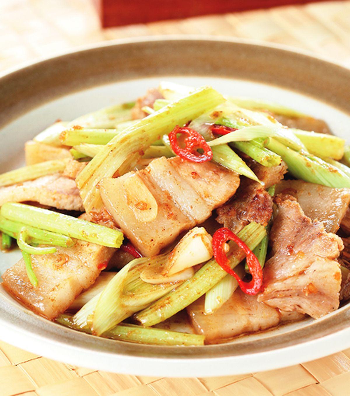 食譜:蒜苗炒五花肉片