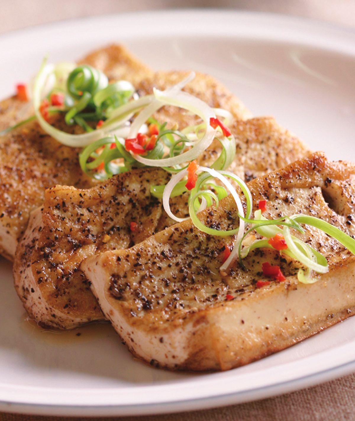 食譜:嫩煎黑胡椒豆腐