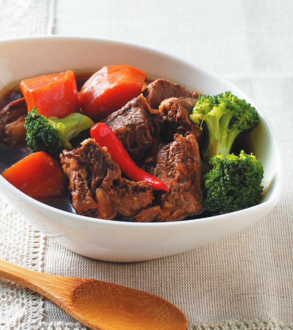 食譜:紅蘿蔔滷牛肉