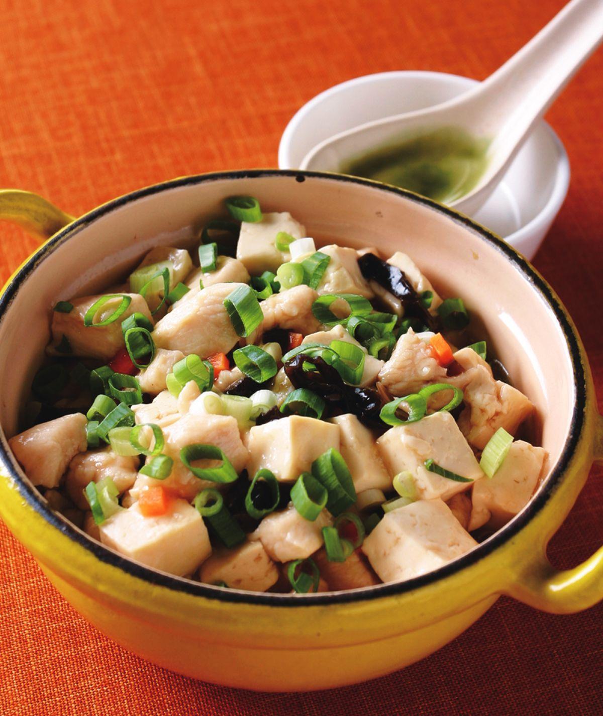 食譜:雞粒豆腐煲