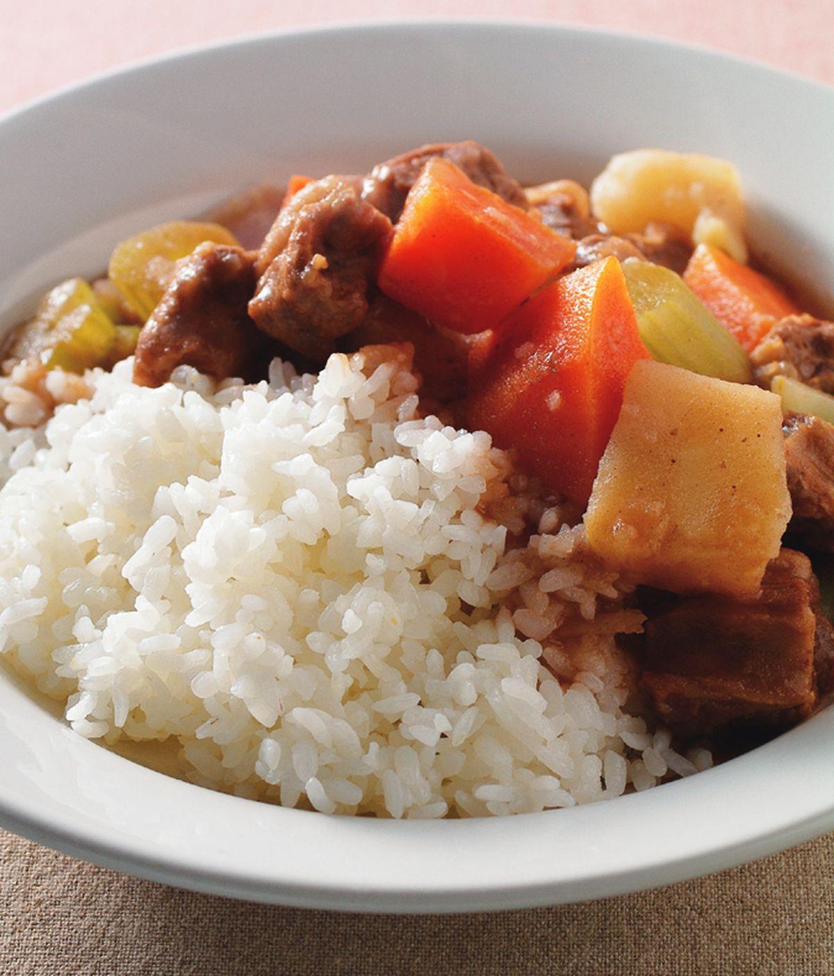 食譜:紅酒燴牛肉飯