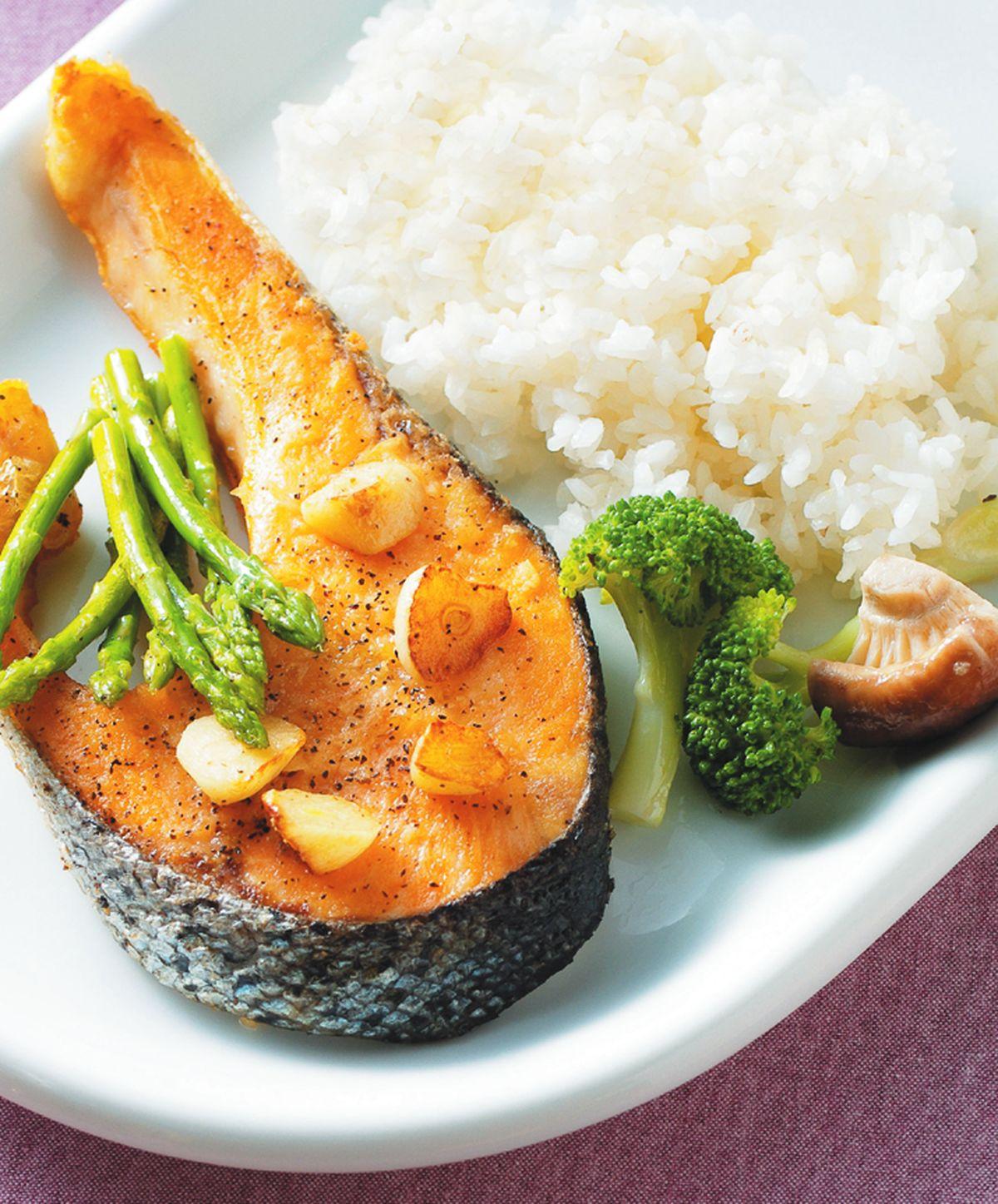 食譜:檸香煎鮭魚