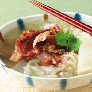 燻腿肉燉白菜湯