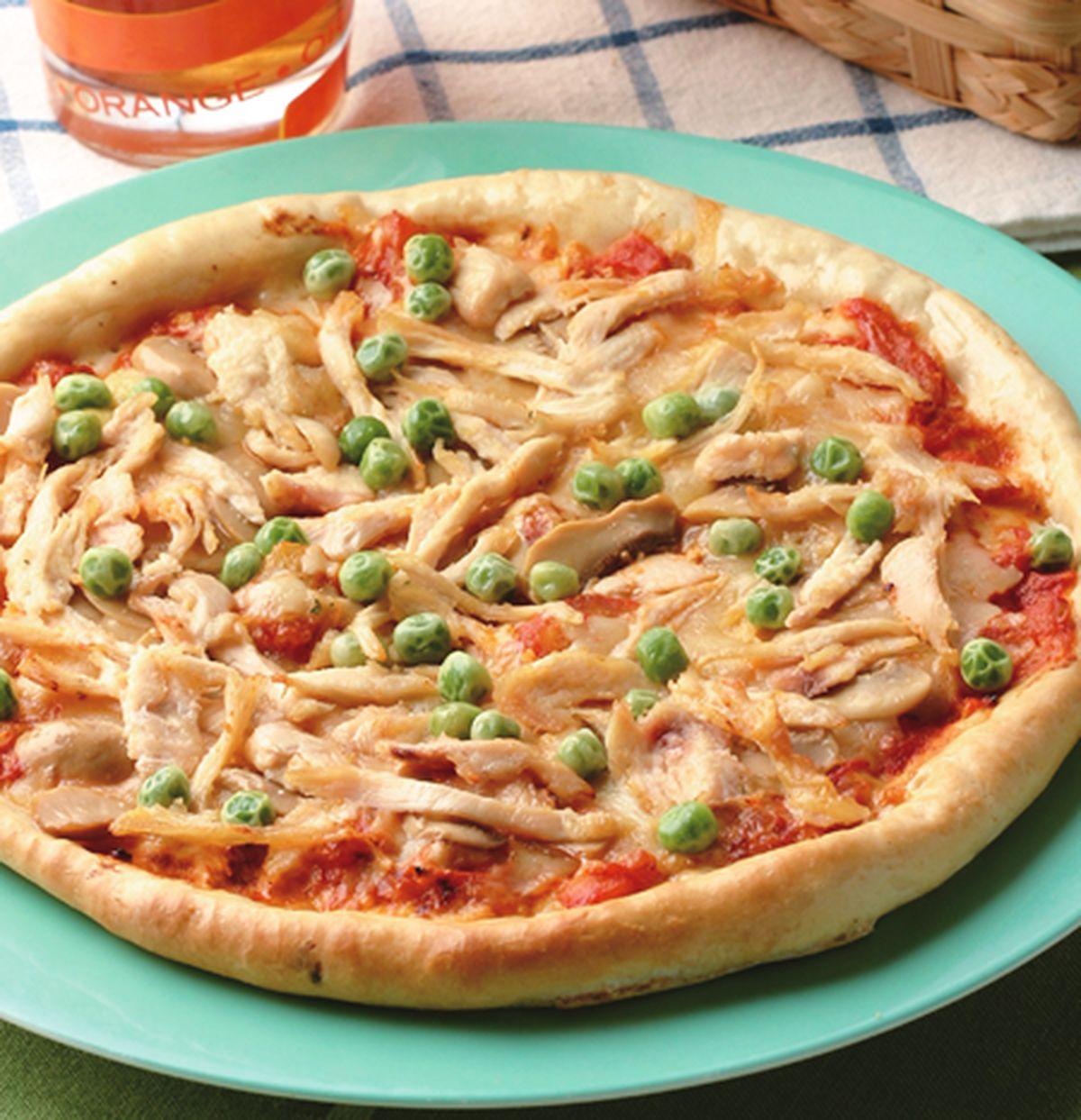 食譜:燻雞絲磨菇薄片披薩