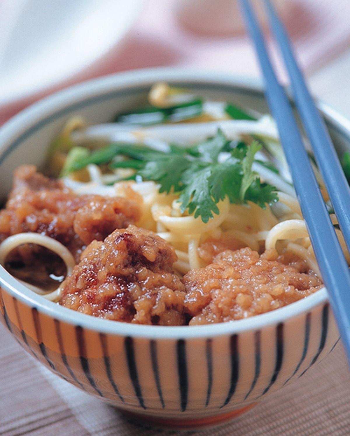 食譜:豐原排骨酥麵