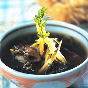 豬肝艾草湯