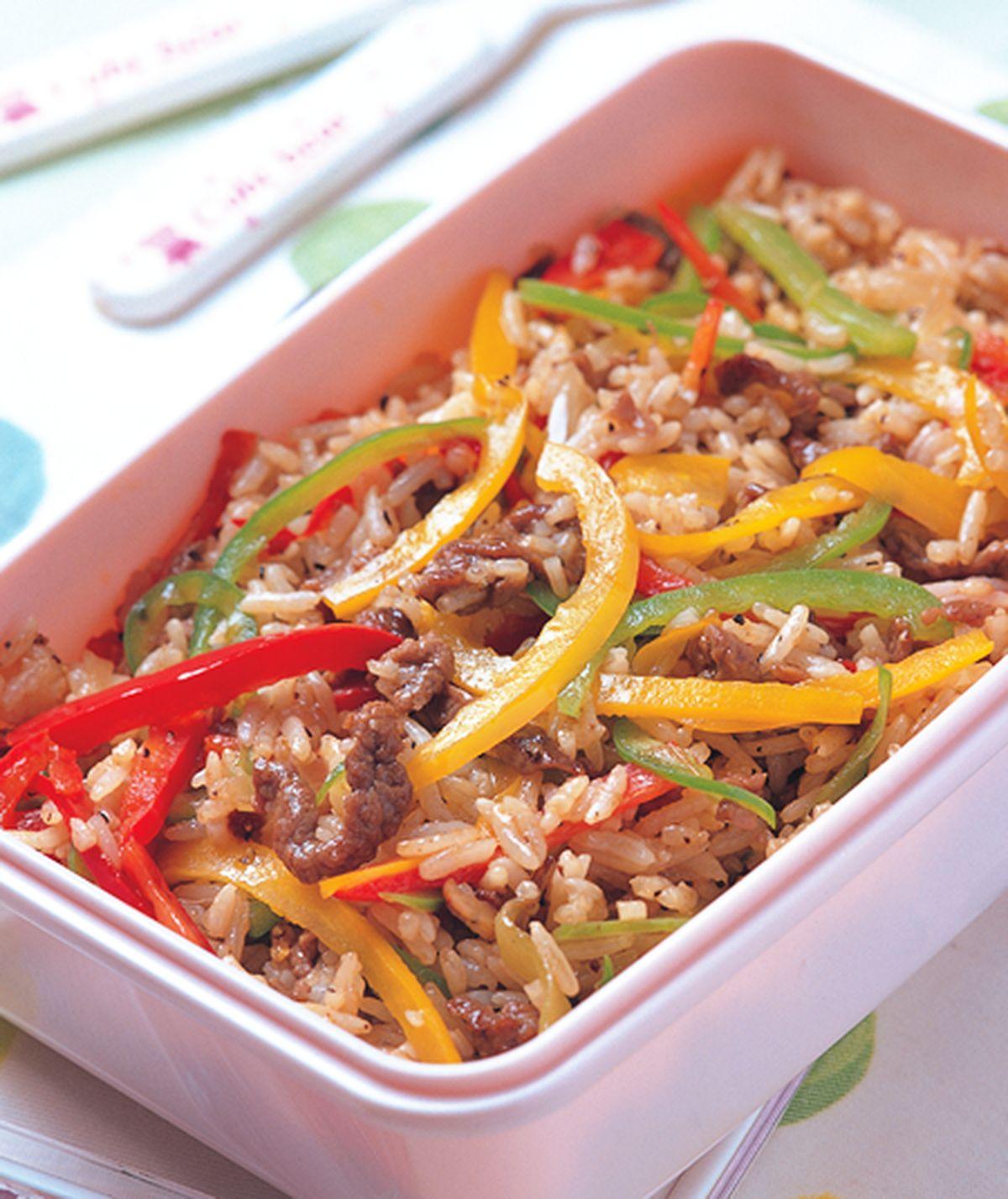食譜:甜椒牛肉炒飯
