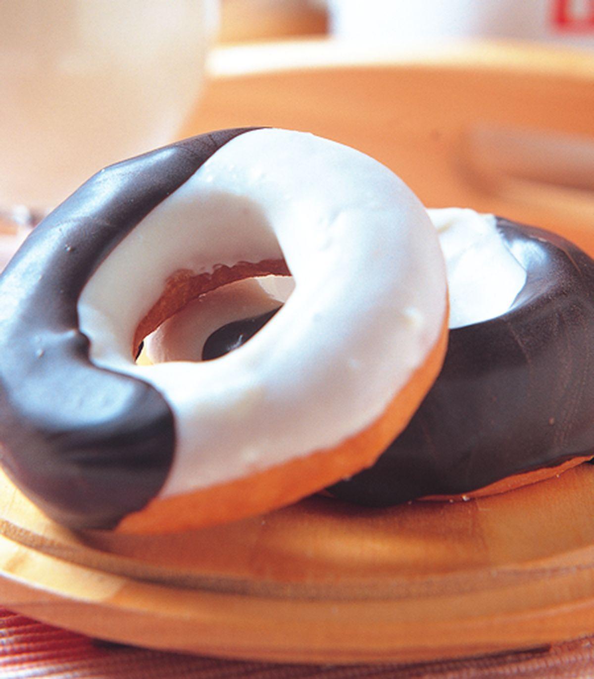 食譜:巧克力甜甜圈