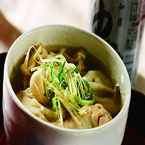 用電鍋作雙菇雞湯盅