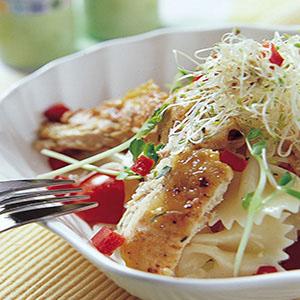 蝴蝶麵雞肉沙拉