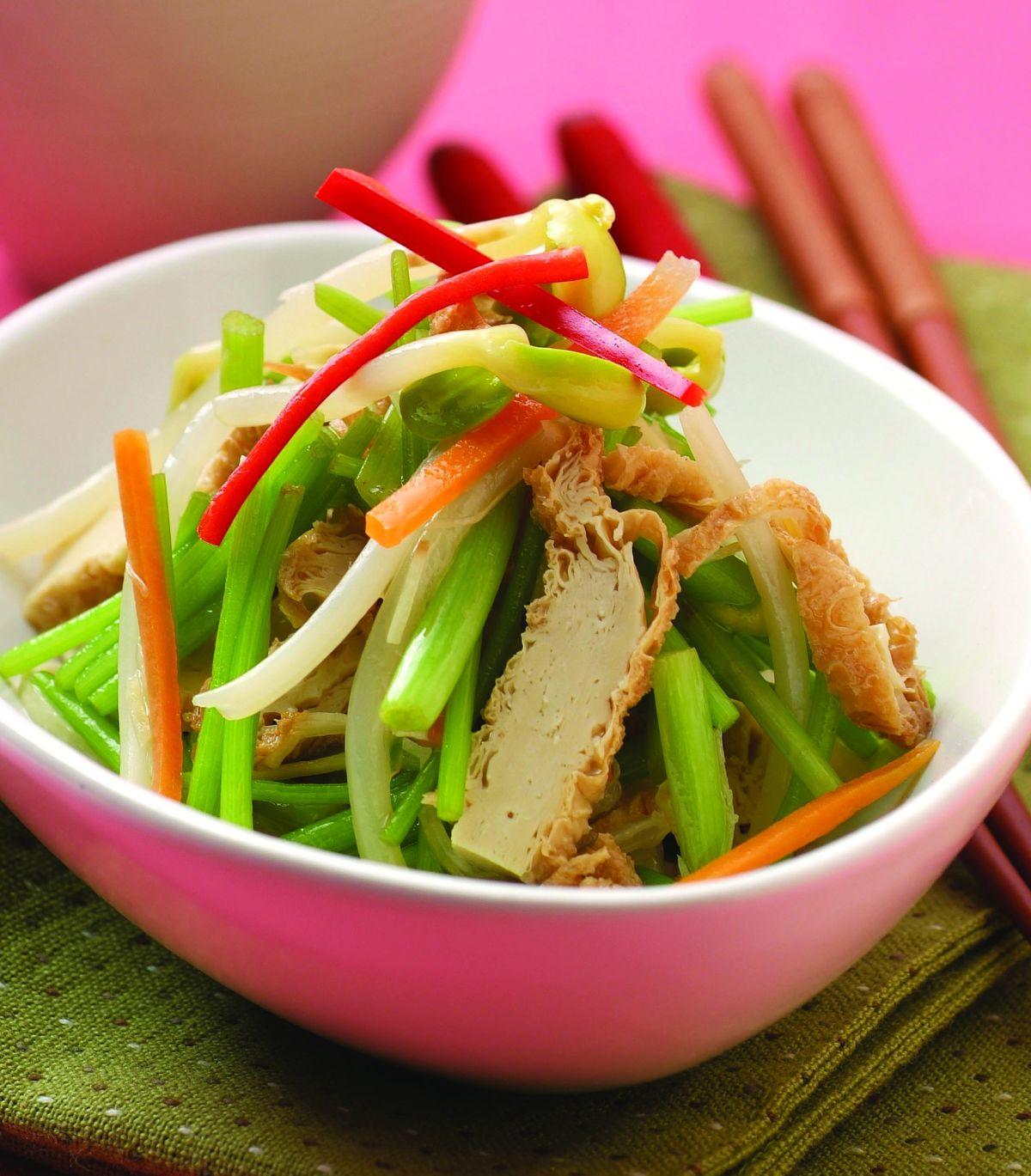 食譜:山芹豆包黃豆芽