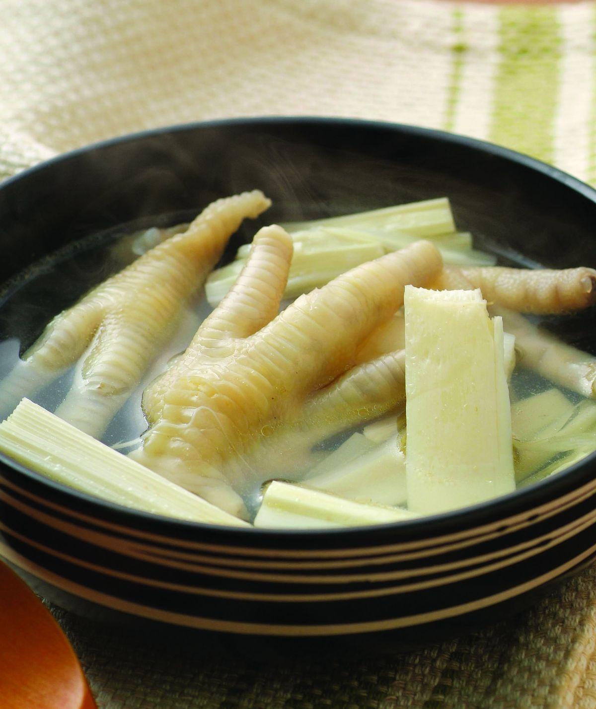 食譜:檳榔心鳳爪湯