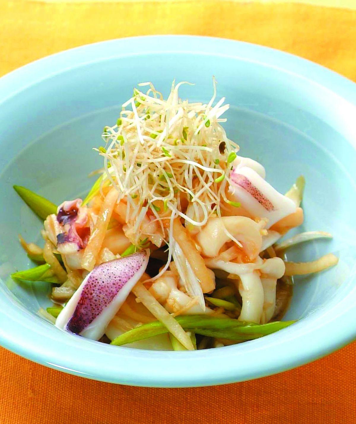 食譜:蘿蔔墨魚蒜香沙拉