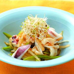 蘿蔔墨魚蒜香沙拉